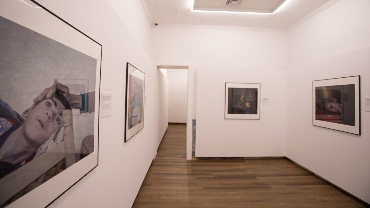 """Exposição """"Onde dormem as crianças"""" de Magnus Wennman na Casa Museu Bissaya Barreto"""